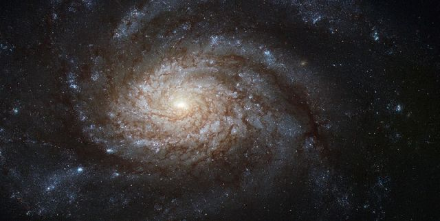 800px-ngc_3810_captured_by_the_hubble_space_telescope